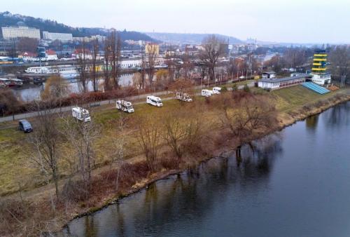 Einmalige Lage direkt am Fluss